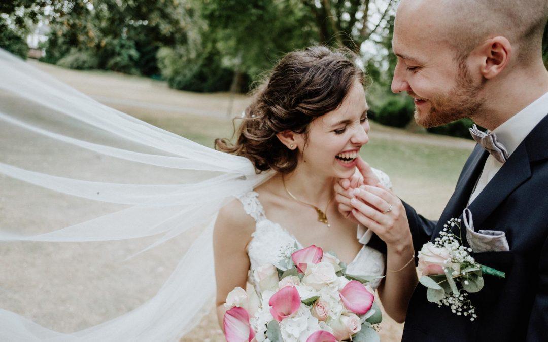 Braut beim Brautshooting in der Abtei Brauweiler