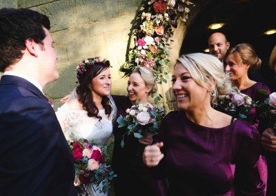 Englisches Brautpaar beim Empfang nach der Trauung. Destination Wedding Hochzeitsfotograf Köln