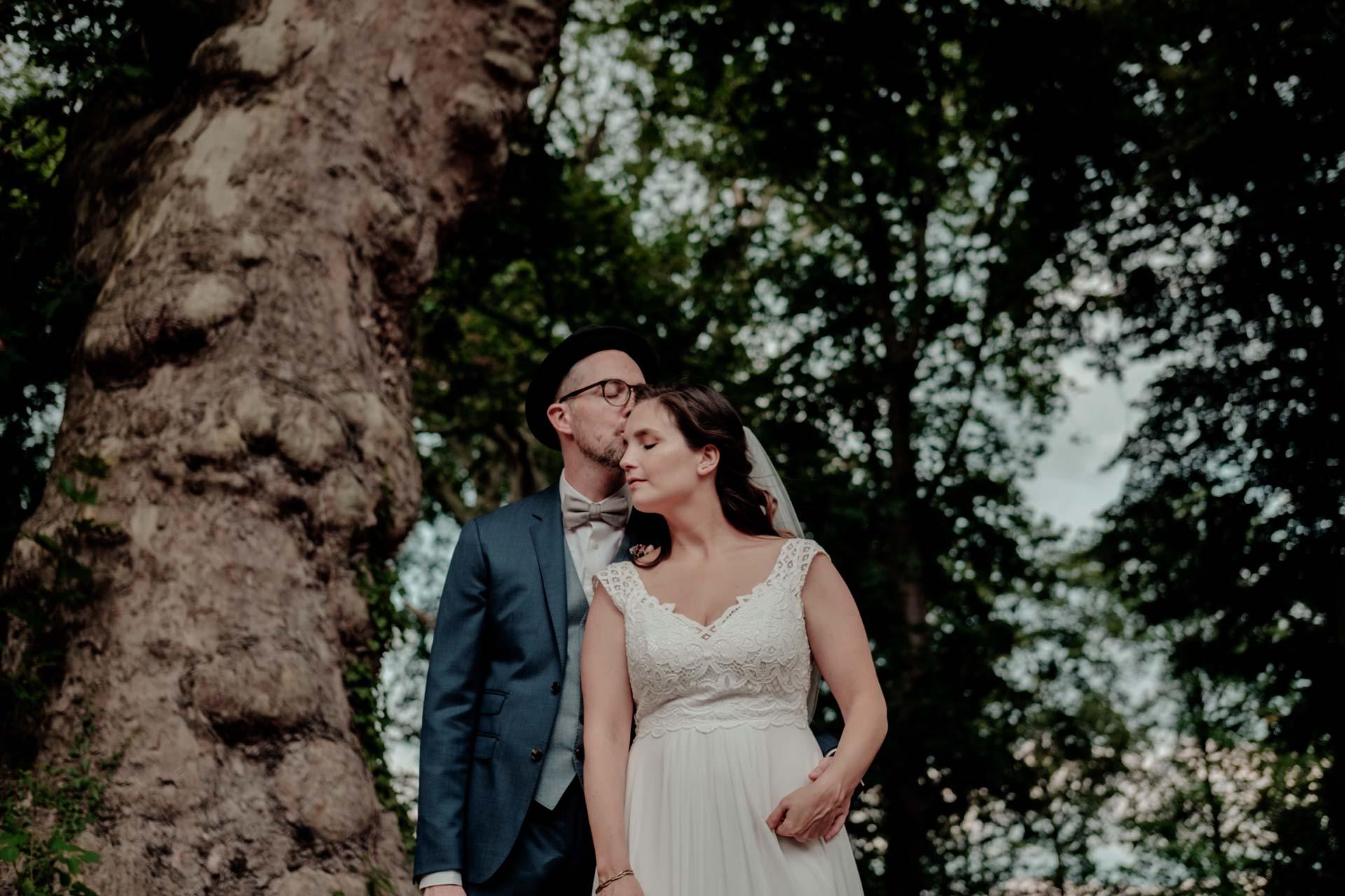 Hochzeitspaar beim Paarshooting im Rittergut Orr