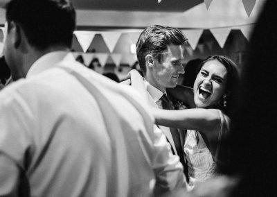 Hochzeitspaar beim ersten Tanz